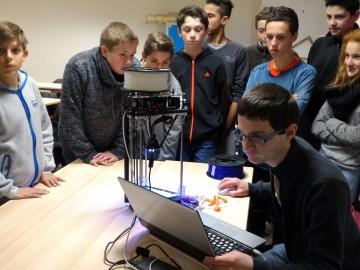 Robotips : la robotique s'invite au collège