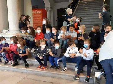 La classe de CE1 au musée Bargoin